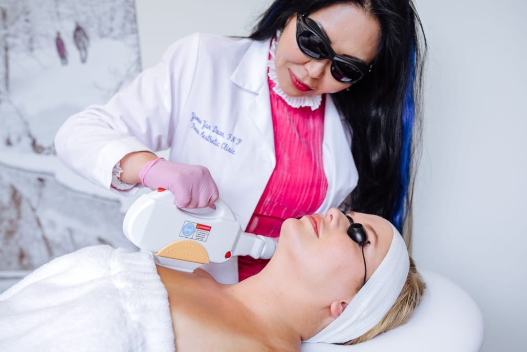 Yan Duan performing a IPL Treatment in Beaverton